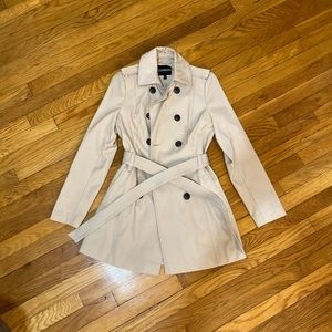 XS Trench Coat with tie and buttons